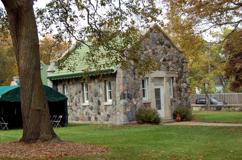 Office of the Green Ridge Cemetery in Kenosha