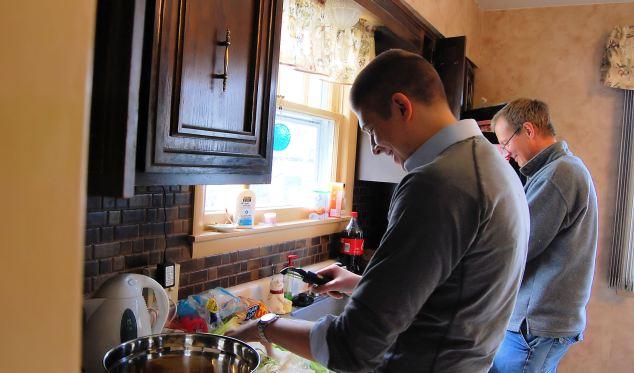 Thanksgiving 2012 Men In The Kitchen